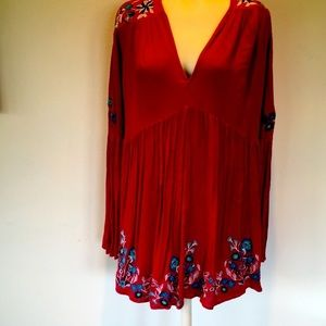 FP  Floral embroidered lined Tunic Small burgundy